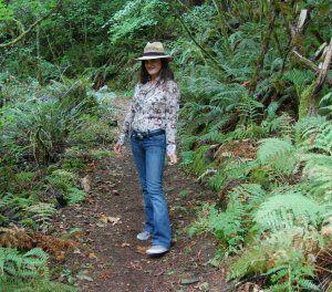 Hiking Fashion in France @GirlGoneGallic
