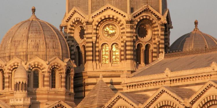 Notre Dame at sunset #Marseille #ExploreProvence @PerfProvence