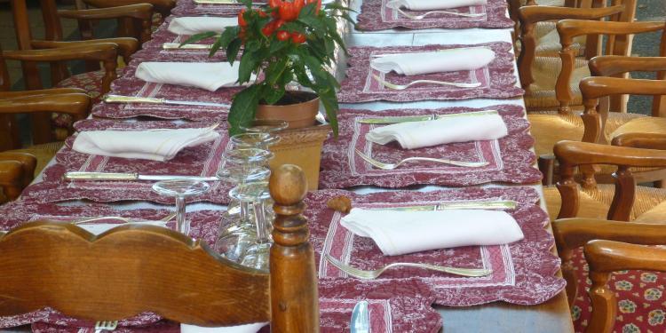 Elegant dining #TastesofProvence @PerfProvence