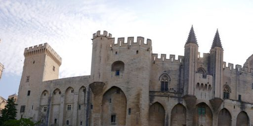 palais-des-papes #avignon @privateprovence