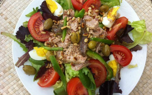 salad nicoise Salade niçoise recipe Provence @fibitee