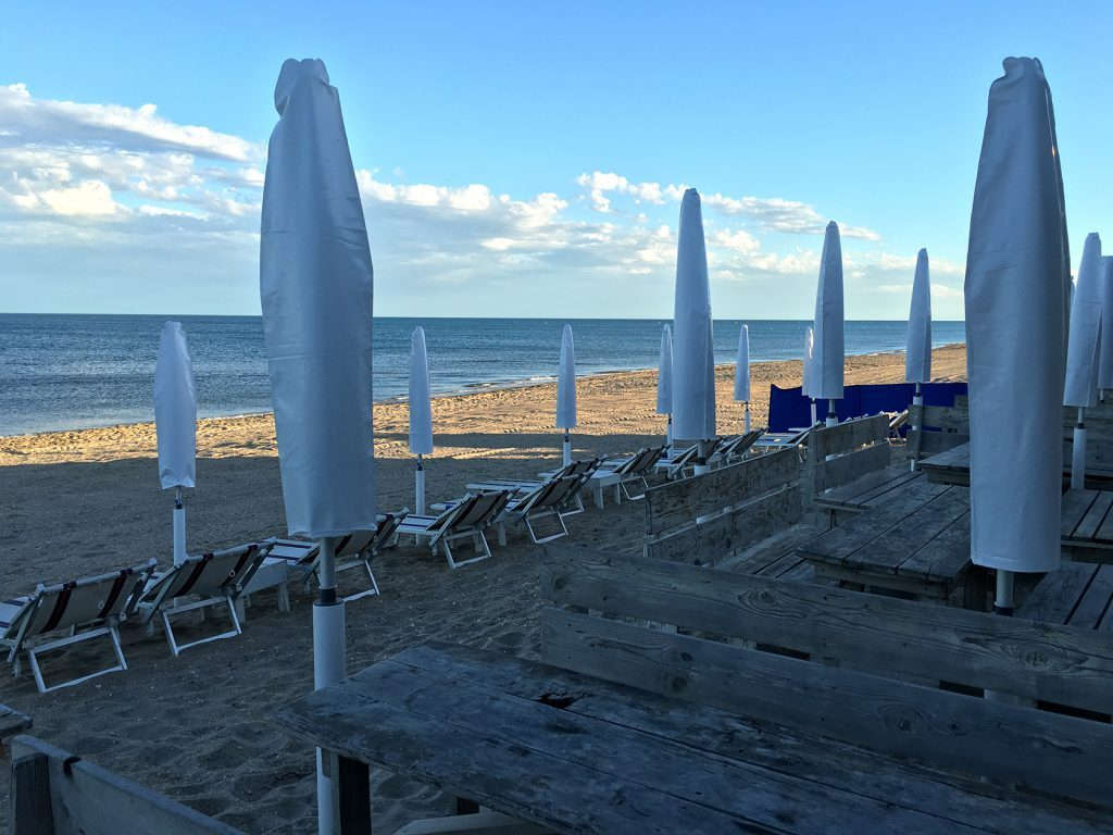 Sete beach scene @Gingerandnutmeg