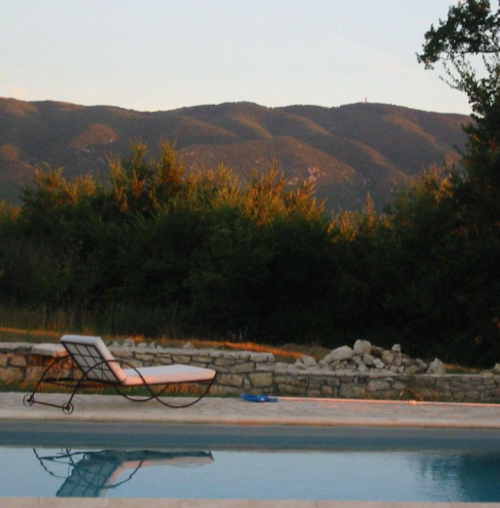 Sunset at a Pool in the Luberon #ExploreProvence @deb_lawrenson