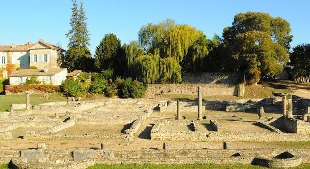 Vaison la Romain Roman ruins @OurhouseinProvence