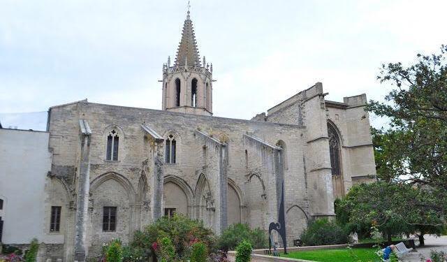 Avignon Church @OurhouseinProvence