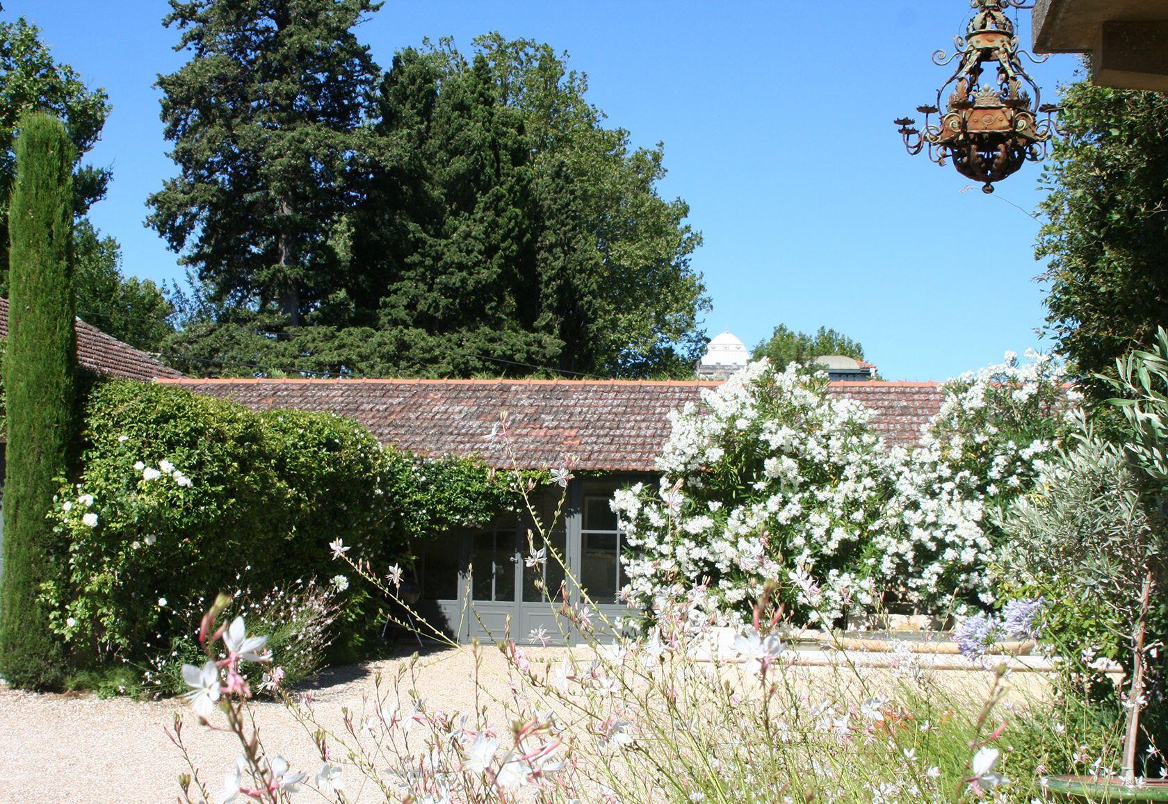 La maison de line feel at home in saint remy de provence for Provence home