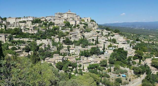 Gordes Luberon Villages @OurhouseinProvence