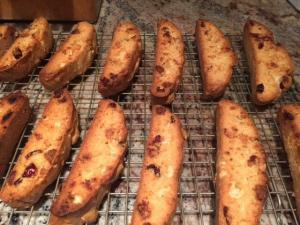 Cranberry, Pistachio and White Chocolate Biscotti @Goutetvoyage