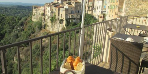 Histoires de Bastide a Bed and Breakfast With a View