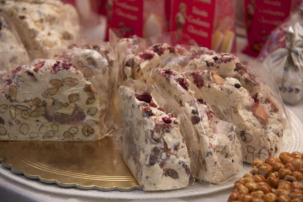 Market nougat in Provence @perfProvence