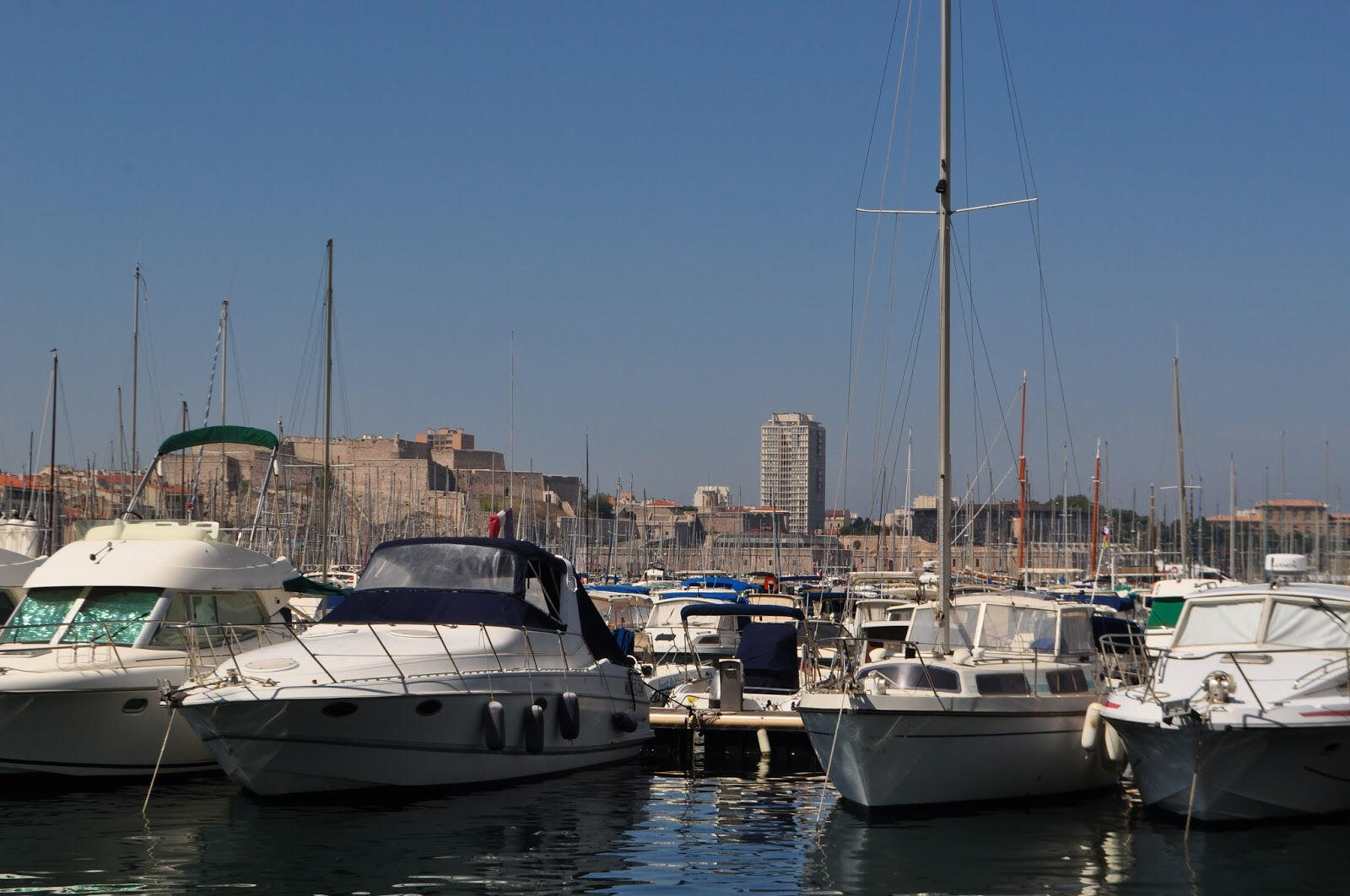 A trip to marseille for an authentic bouillabaisse - Bouillabaisse marseille vieux port ...