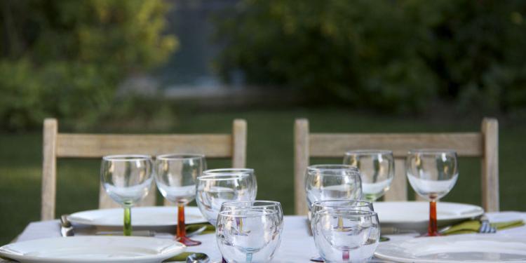 Table in Provence @Gingerandnutmeg