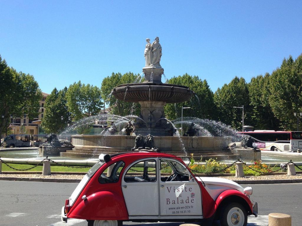 Aix en Provence 2CV Experience City Tour