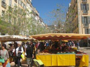 Discover Market Sunday in Toulon