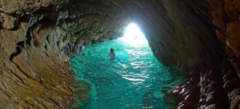 Blue Coast Trail Grotte de la Marine