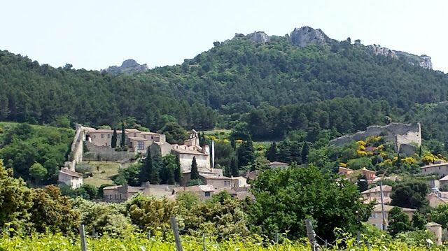 Gigondas views wine tasting