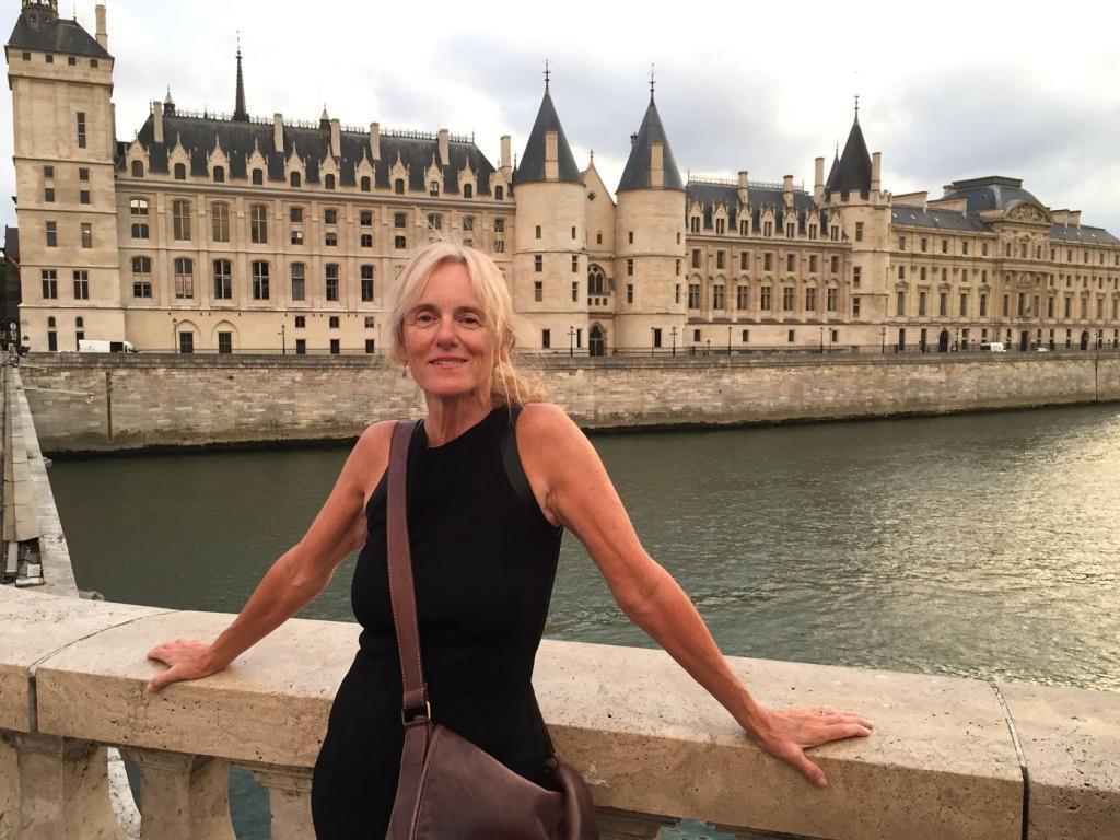 Mary Kay Seales in Paris
