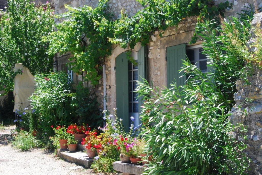 Buying Property Provence Eygalieres