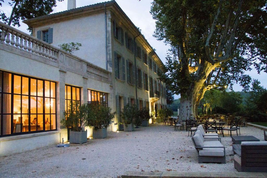 Evening View of the Courtyard at Domaine de Fontenille