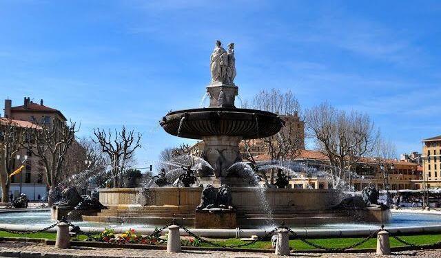 Aix-en-Provence la Rotonde Fountain