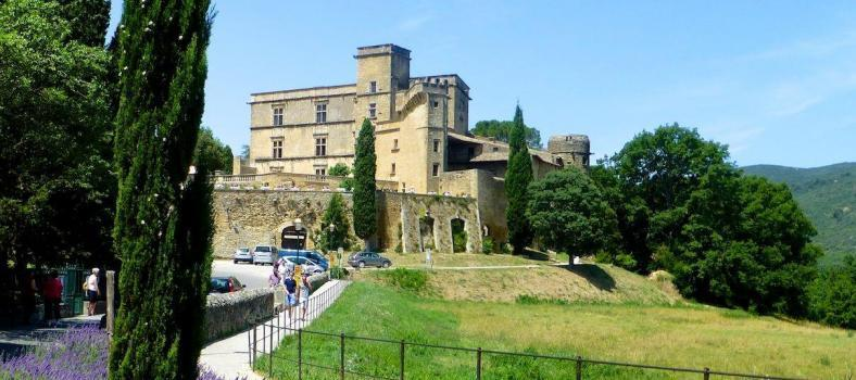 Planning a Stay in the Luberon Village Lourmarin
