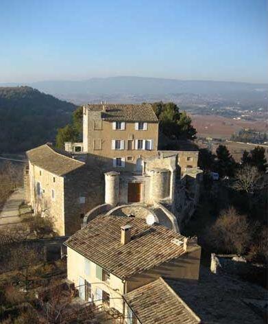 Menerbes View Le Castellet