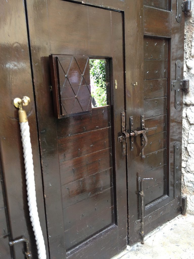 Entrance door La Colombe d'Or St Paul de Vence The Monaco Reporter