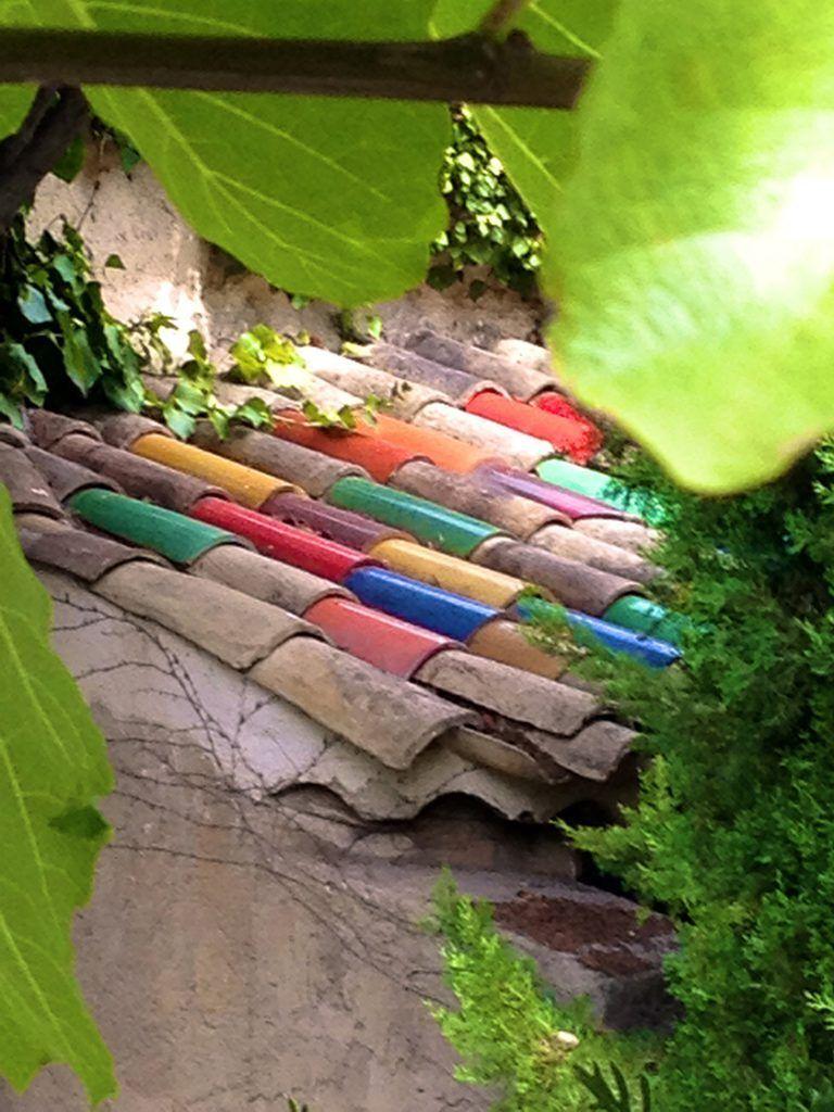 Colorful roof tiles La Colombe d'Or St Paul de Vence @CelinaLafuenteDeLavotha