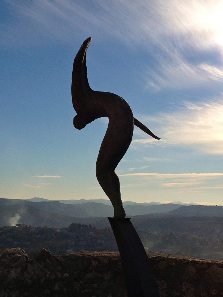 Statue ready to fly on the ramparts of St. Paul de Vence @CelinaLafuente