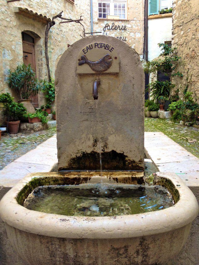 Fountain in St. Paul de Vence @CelinaLafuenteDeLavotha