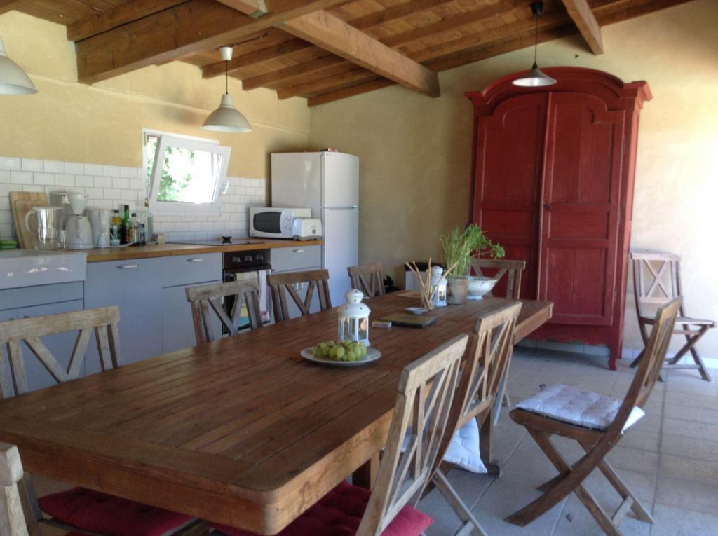 Ateliers Fourwinds Aureille Artists dining room