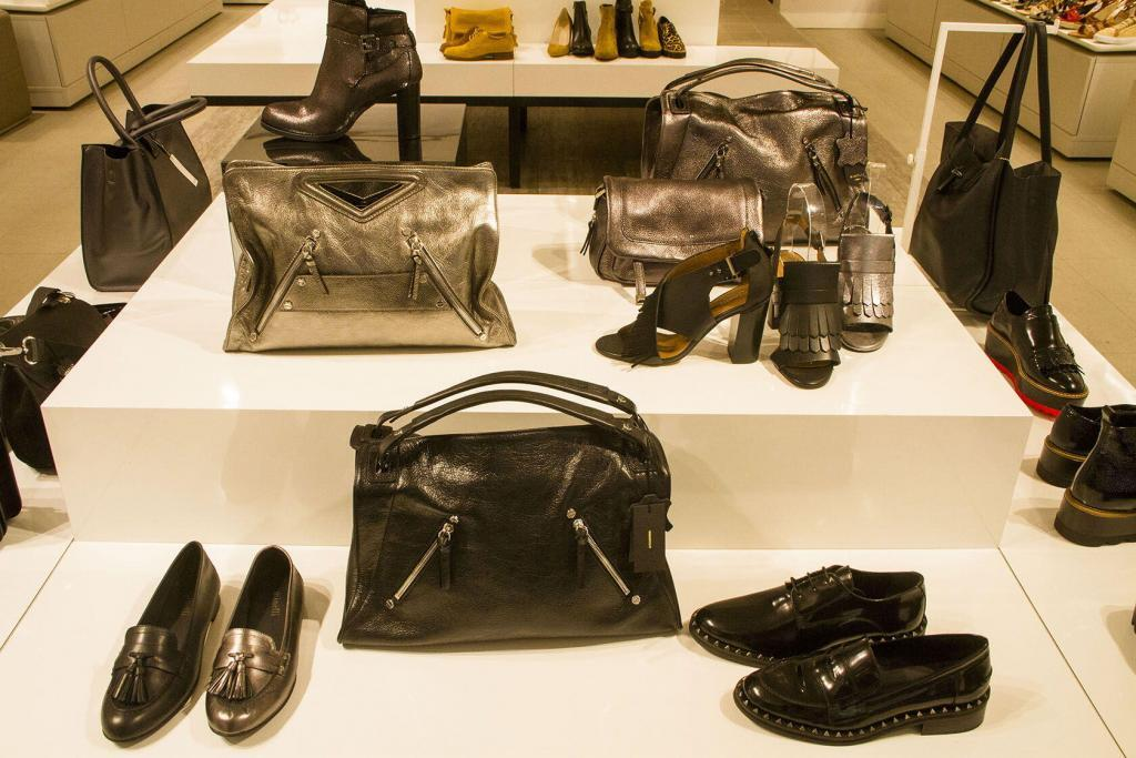 Cote d'Azur Shopping 2017 Metallic Line of Shoes Bags Minelli Store Nice