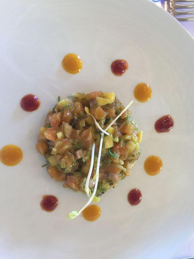 Gout et Voyage Musings Le Menu fish tartare entree