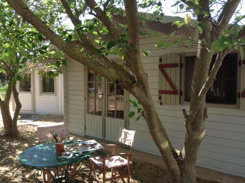 Ateliers Fourwinds Aureille Little cabin