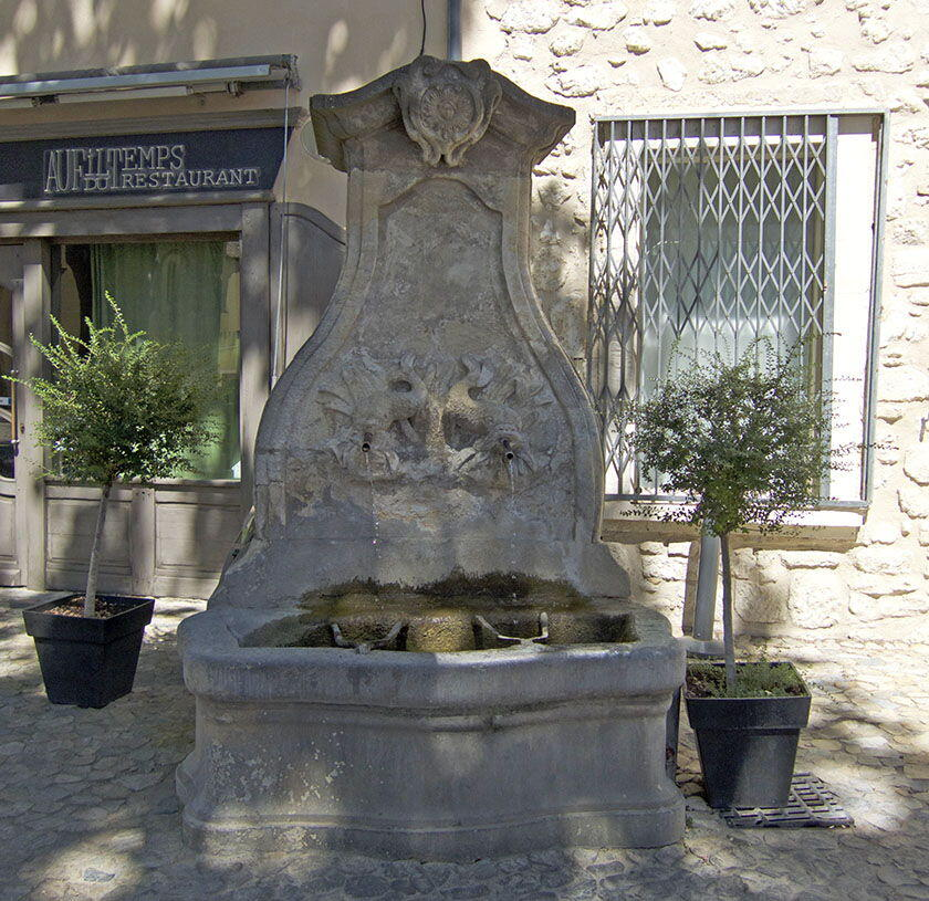 Pernes les Fontaines Fountains