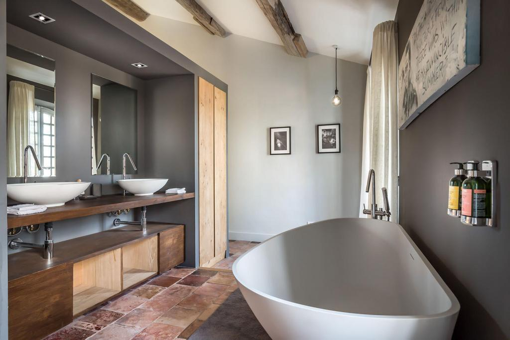 Domaine de Palerme Camus Suite Bathroom