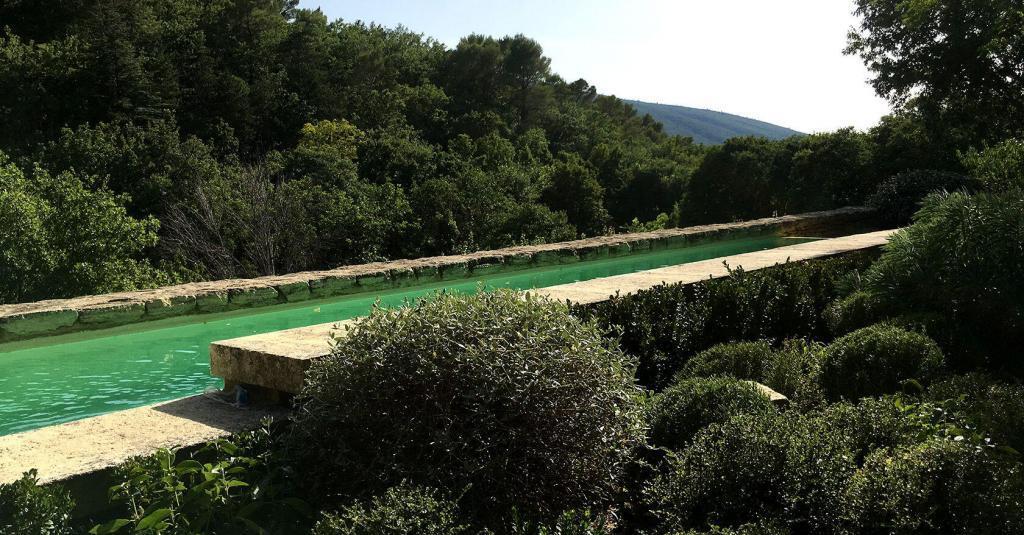La Louve Garden Jardin Remarkable Bonnieux Luberon view