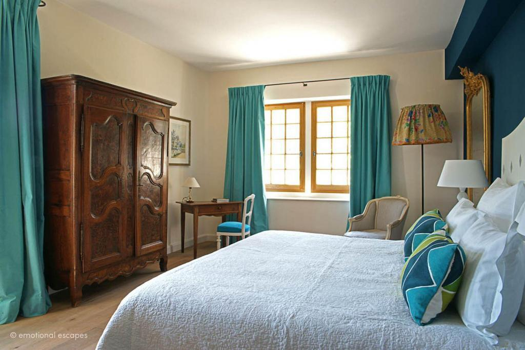 Bedrooms Holiday Rentals Provence Emotional Escapes