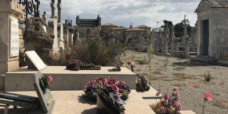 Witches Provence Halloween Cemetery @Girlgonegallic