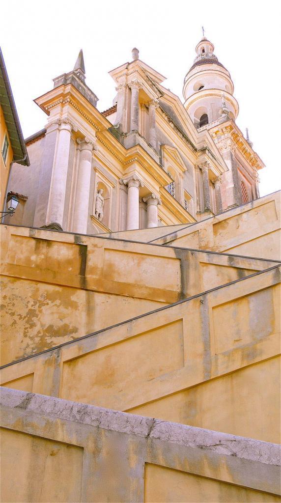 Visit Menton Treasures staircase