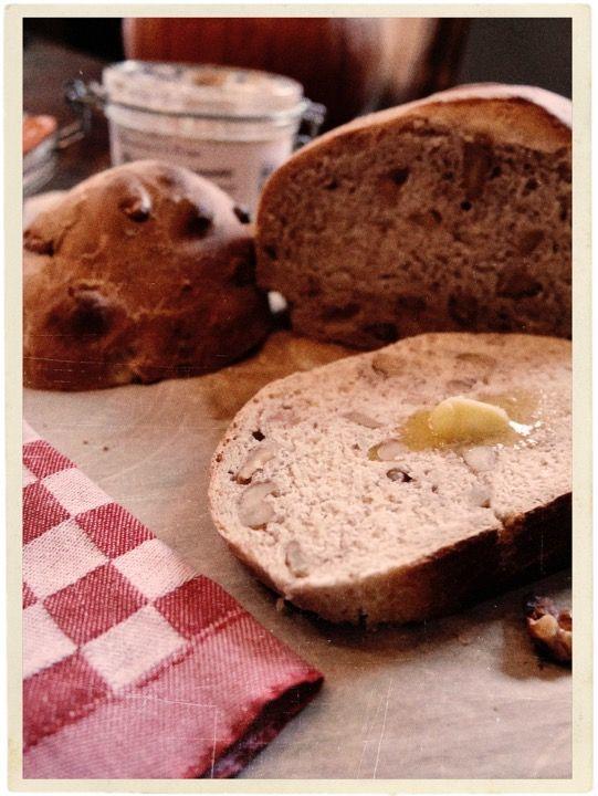 Pain aux Noix Walnut Bread @AtableenProvence