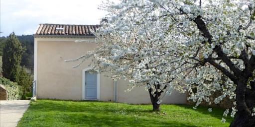 Expat Living Lourmarin Provence