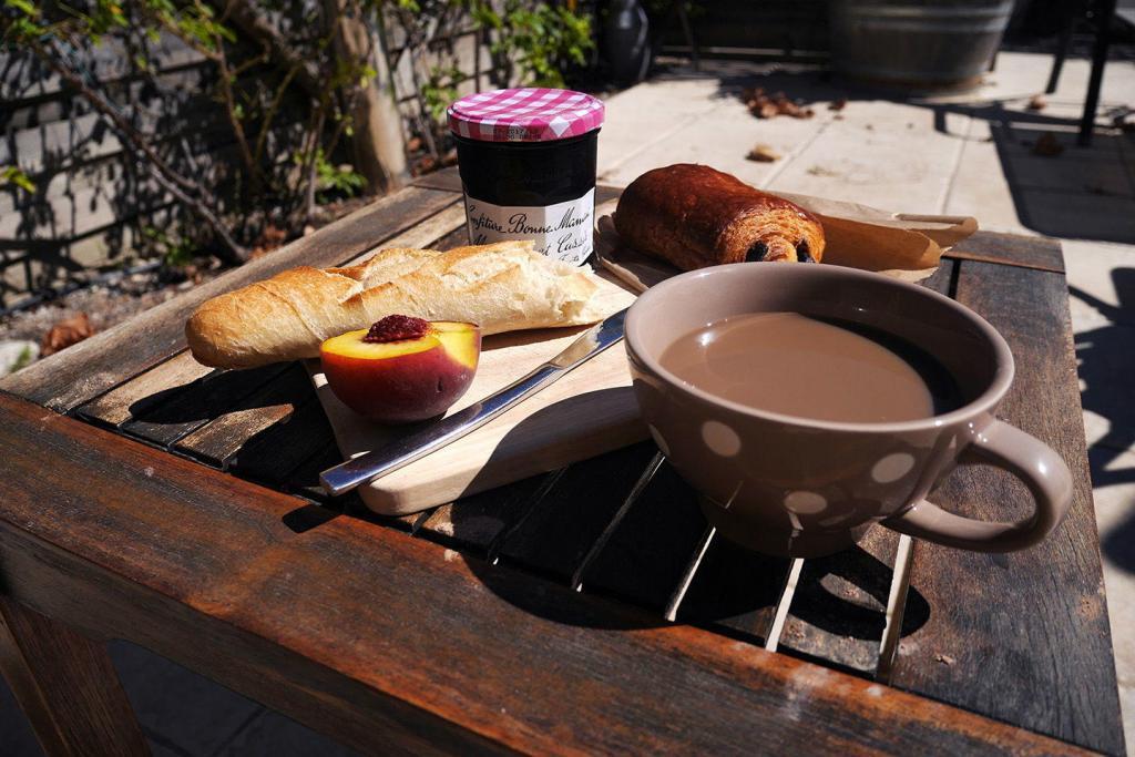 Breakfast al Fresco Provence Lifestyle @Atableenprovence