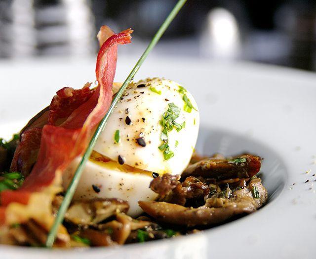 Restaurant St Remy de Provence L'aile ou la Cuisse food from restaurant