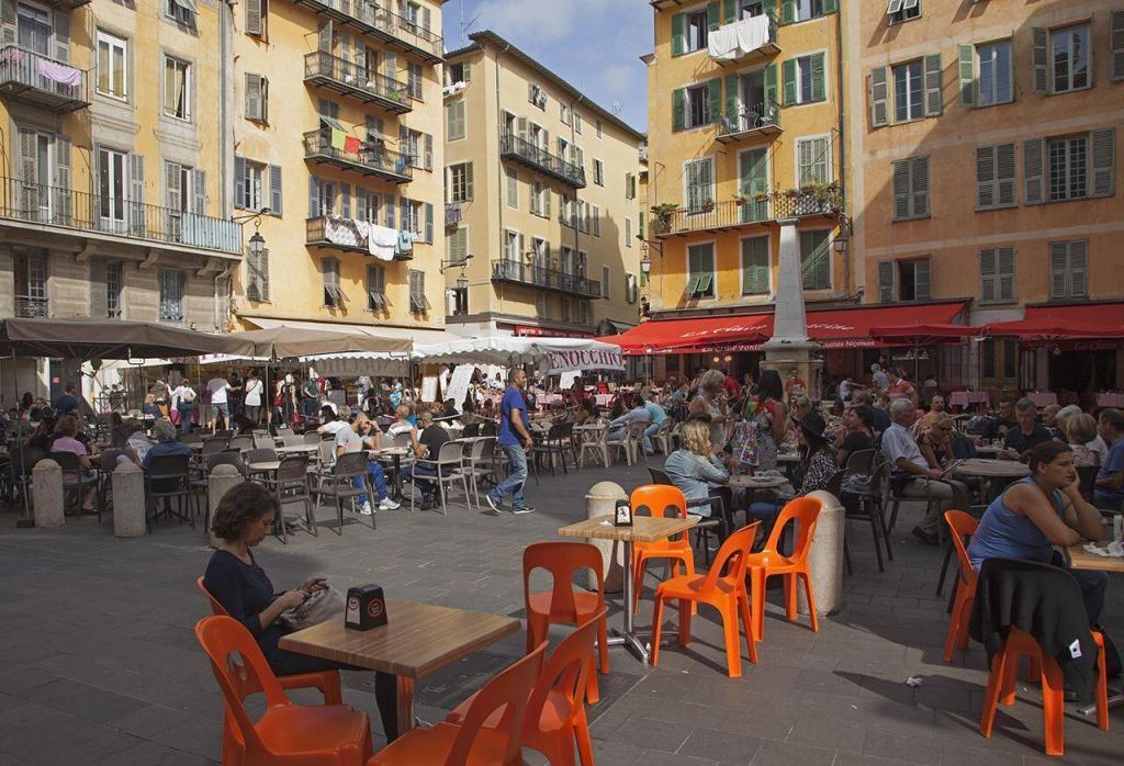 Place Rossetti Vieux Nice Paul Shawcross