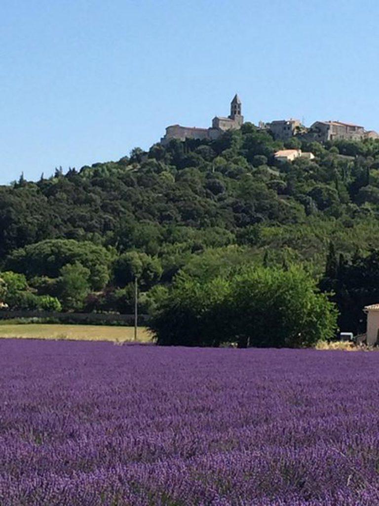 Travel Provence la garde adhémar
