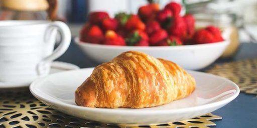 French croissant breakfast @MargoLestz