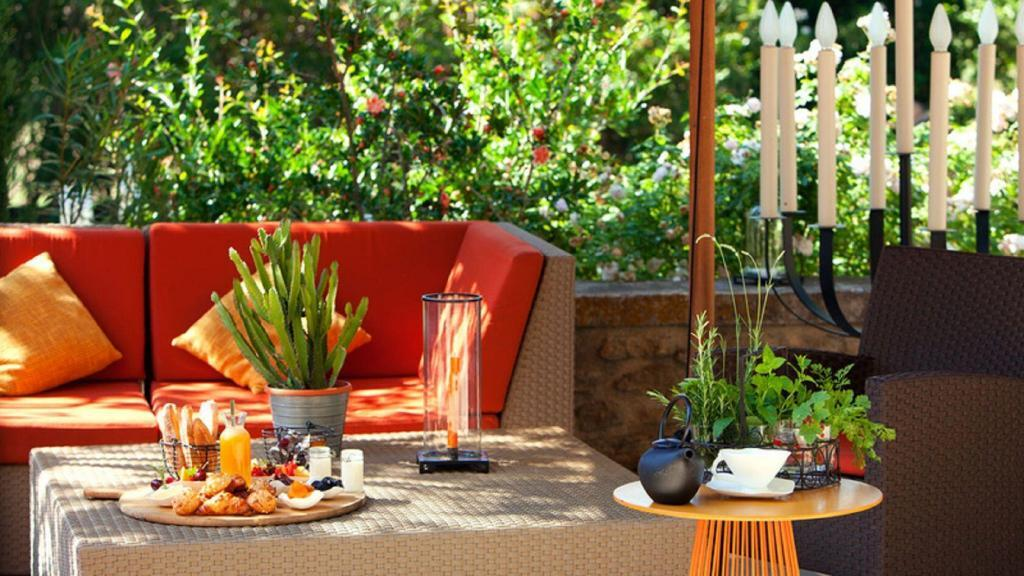 La Belle Vie Yoga Retreat Provence Mas de l'Amarine