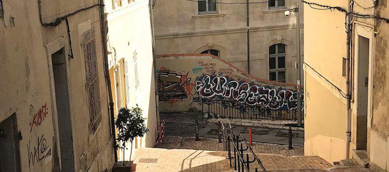 Visit Marseille le Panier @Barefootblogger