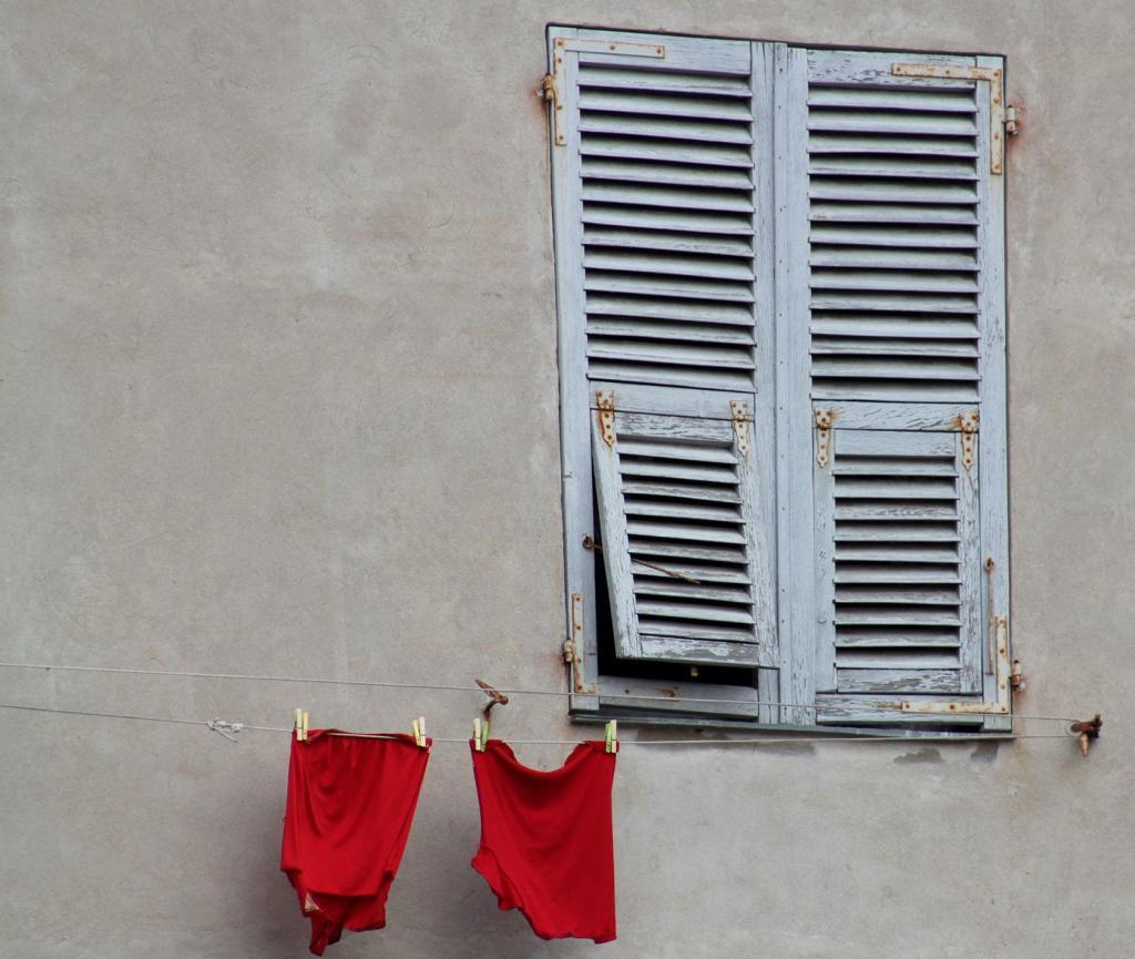 Corsica Views Windows
